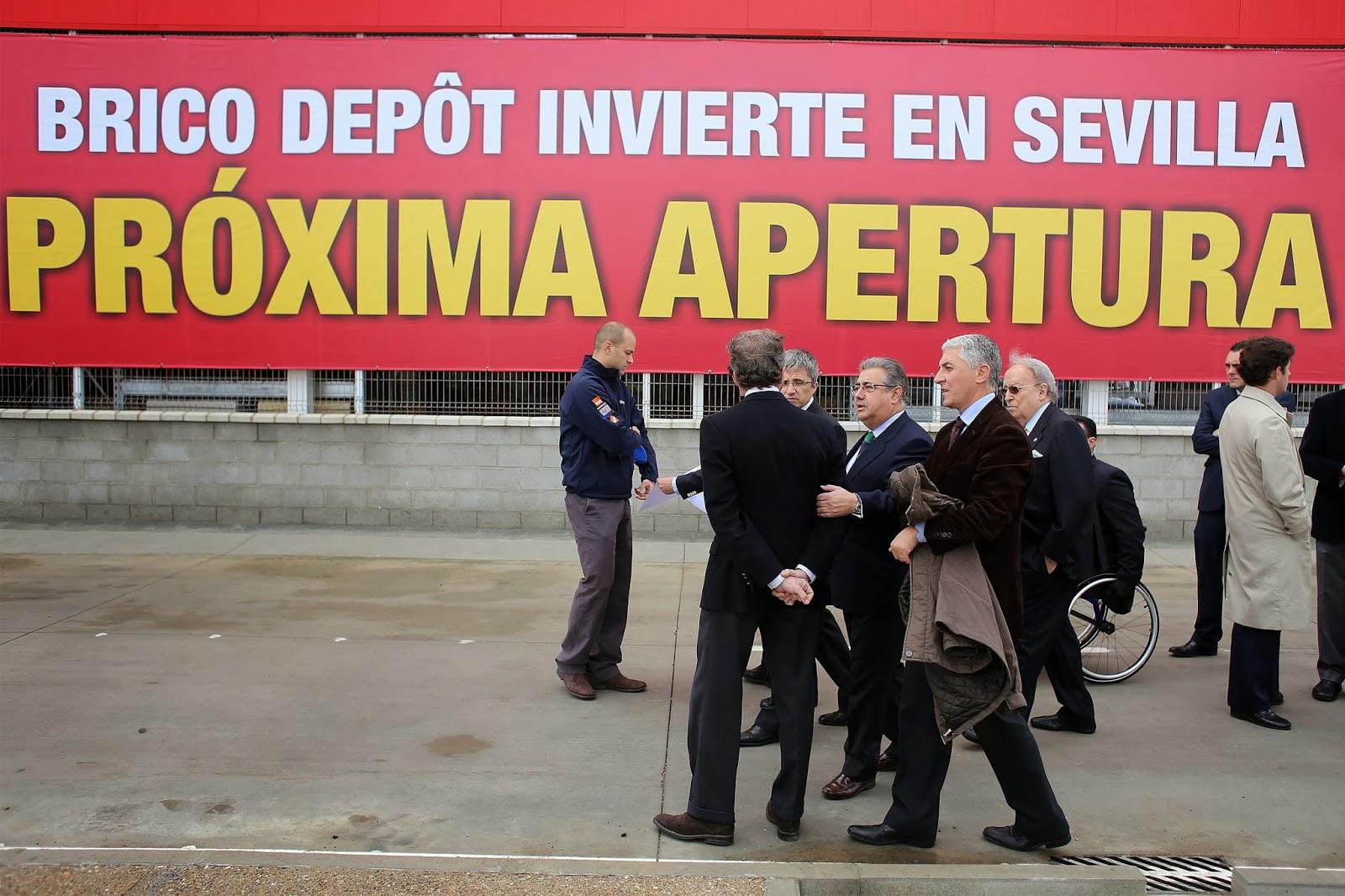 Gel n noticias el alcalde de sevilla visita la nueva for Bricodepot granada horario