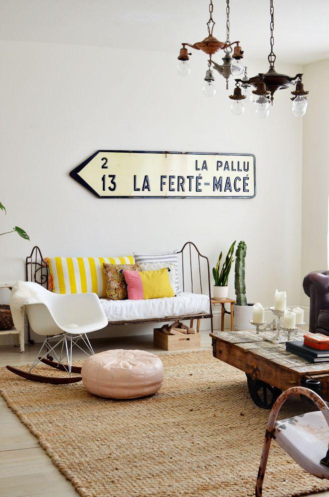 la fabrique d co d co vintage vieilles pancartes et panneaux indicateurs dans la maison. Black Bedroom Furniture Sets. Home Design Ideas