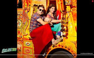 Khiladi 786  Akshay Kumar, Asin in a truck
