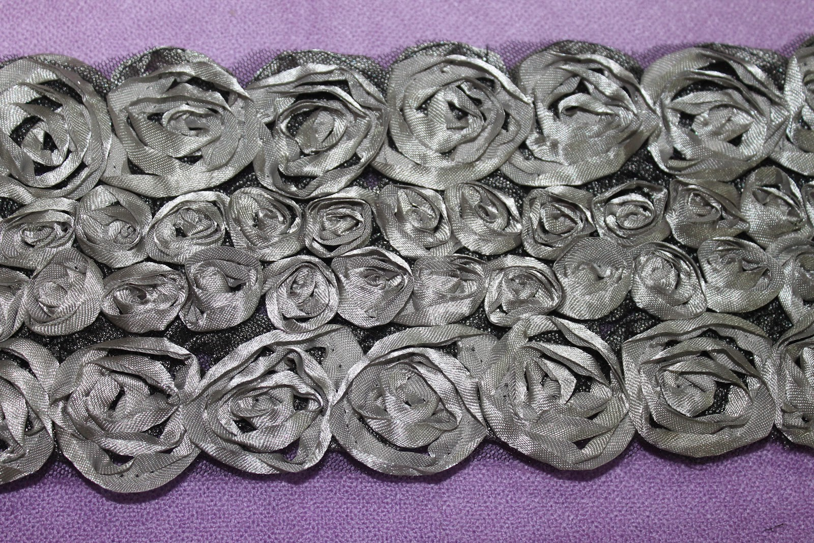 BORDER LACE 3D ROSES
