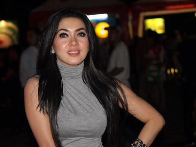 Gambar wanita Tercantik Indonesia syahrini