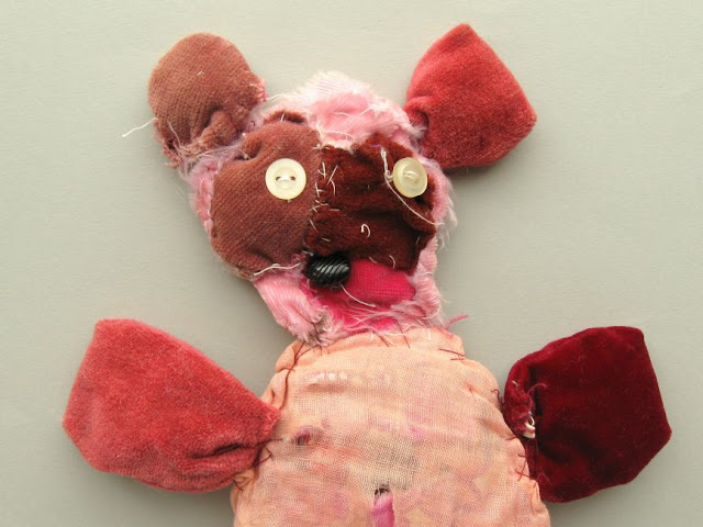 http://bugsandfishes.blogspot.co.uk/2015/10/childhood-sewing-bear-for-my-sister.html