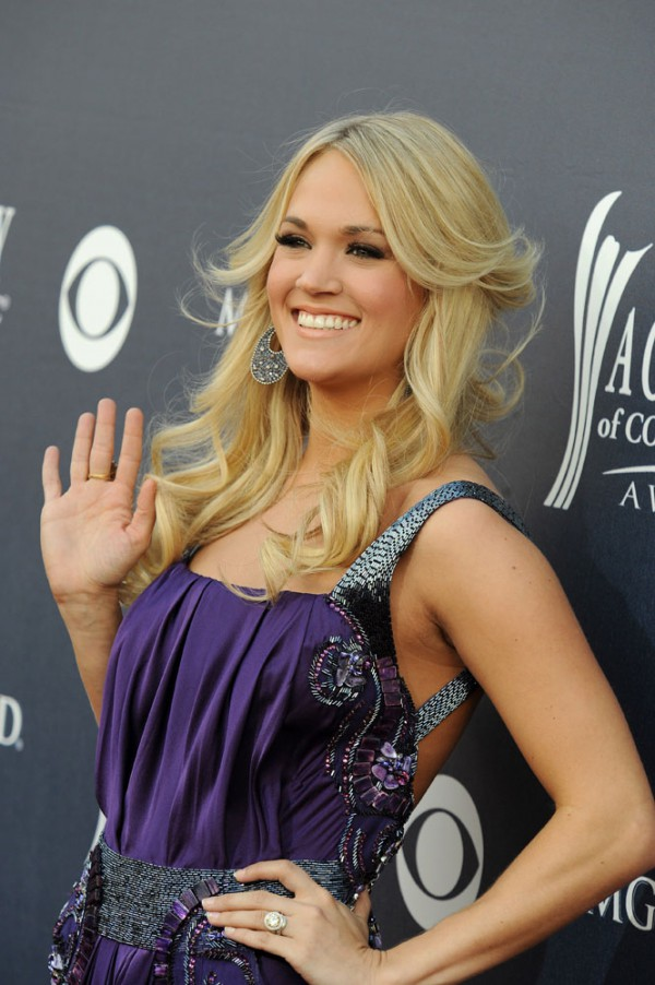 Carrie Underwood 2011 Country Music Awards-3
