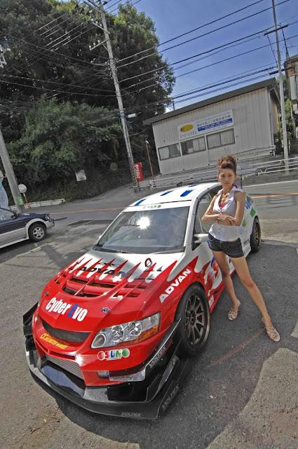 Mitsubishi Lancer Evolution, zdjęcia dziewczyn i samochodów, galeria, fotki