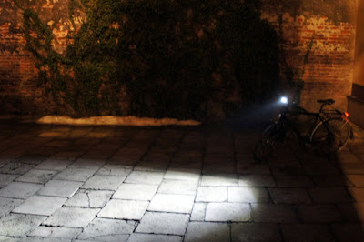 dobre oświetlenie do roweru