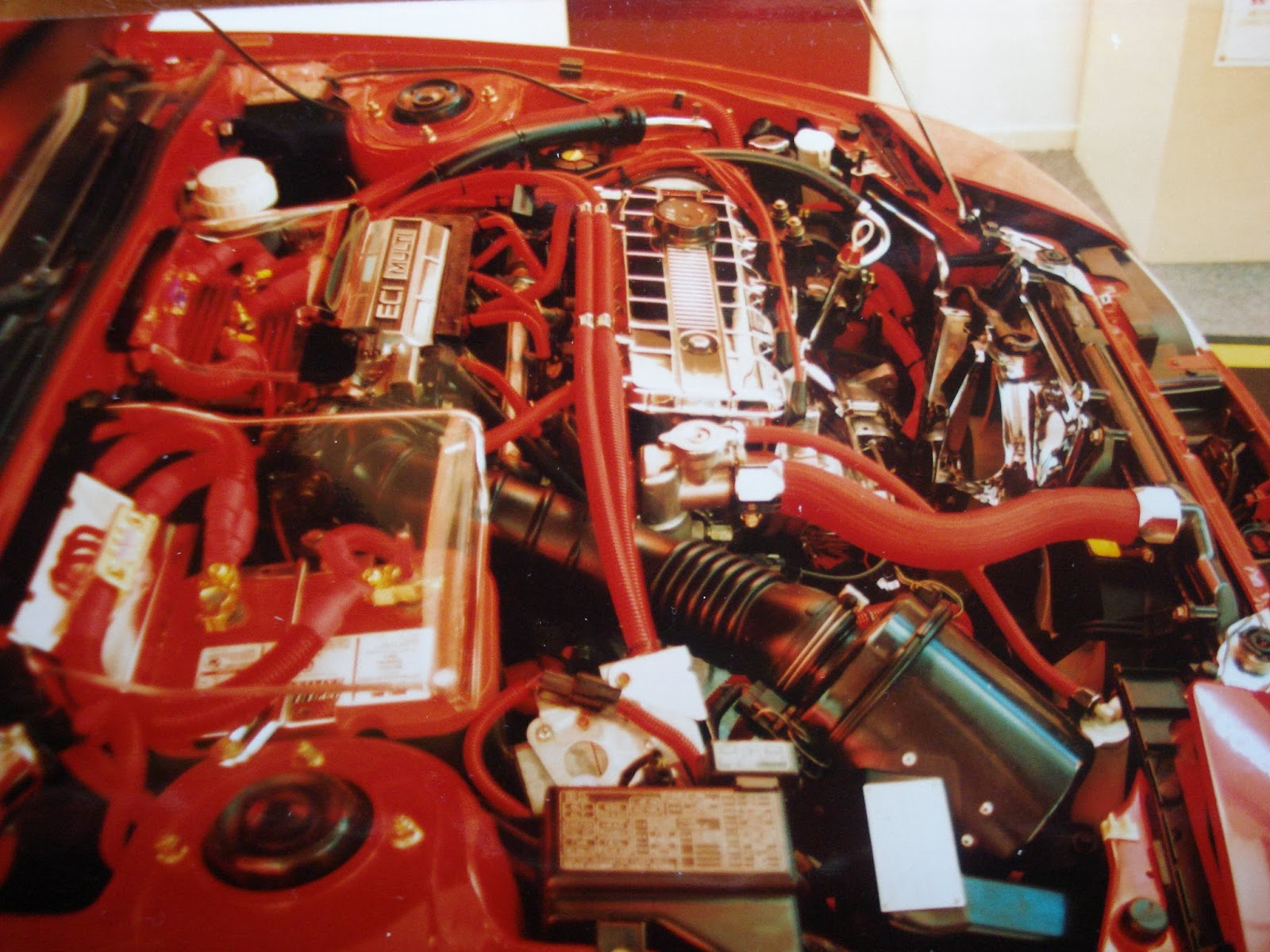 Photo image of the engine of Chuck Barbosa's Red Laser as it stood during the winter storage at the end of 1995 and beginning of 1996.