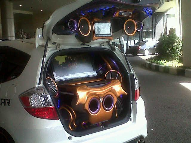 Paket Audio Mobil di Surabaya
