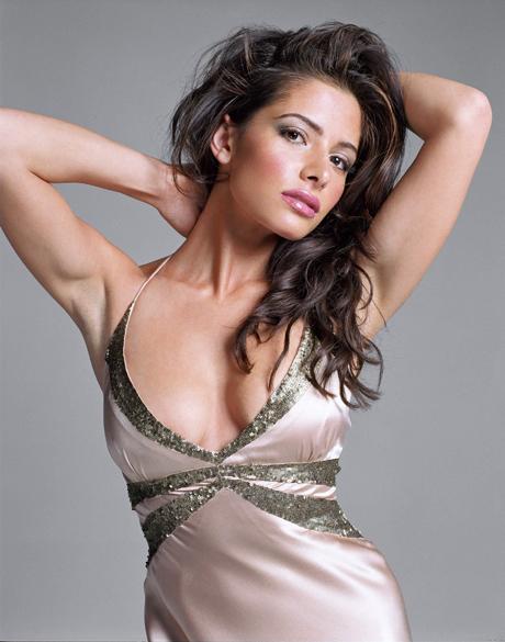 "Sarah Shahi, la protagonista de ""Una Bala en la Cabeza"" (Bullet to the Head)"
