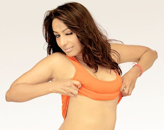 Kashmira Shah removing her top