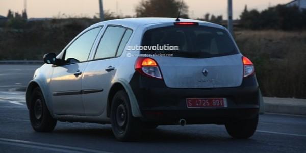The new generation renault clio iv spy photos garage car for Garage clio 4