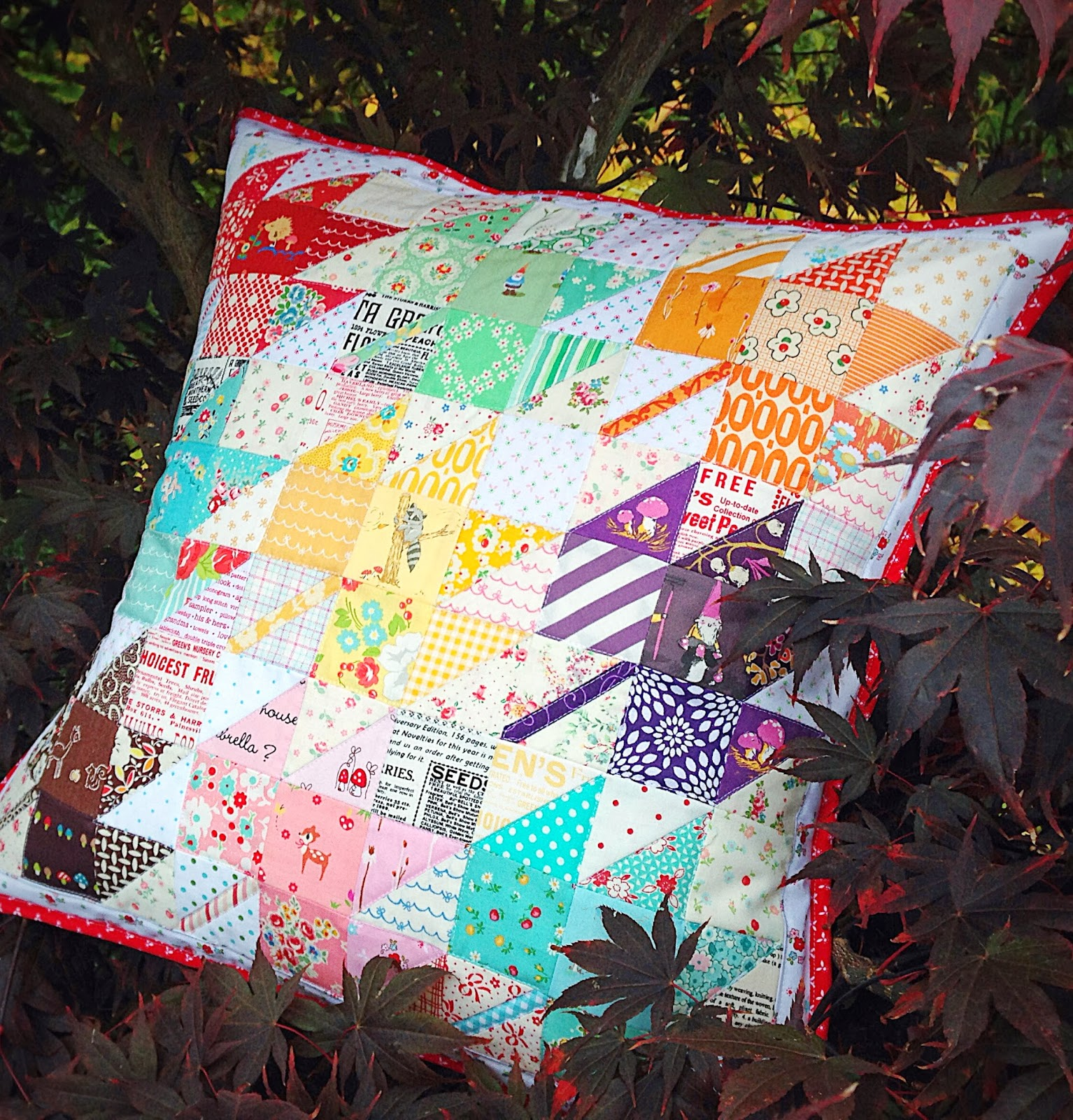 Modern Maples Pillow : lovely little handmades: a scrappy modern maples pillow