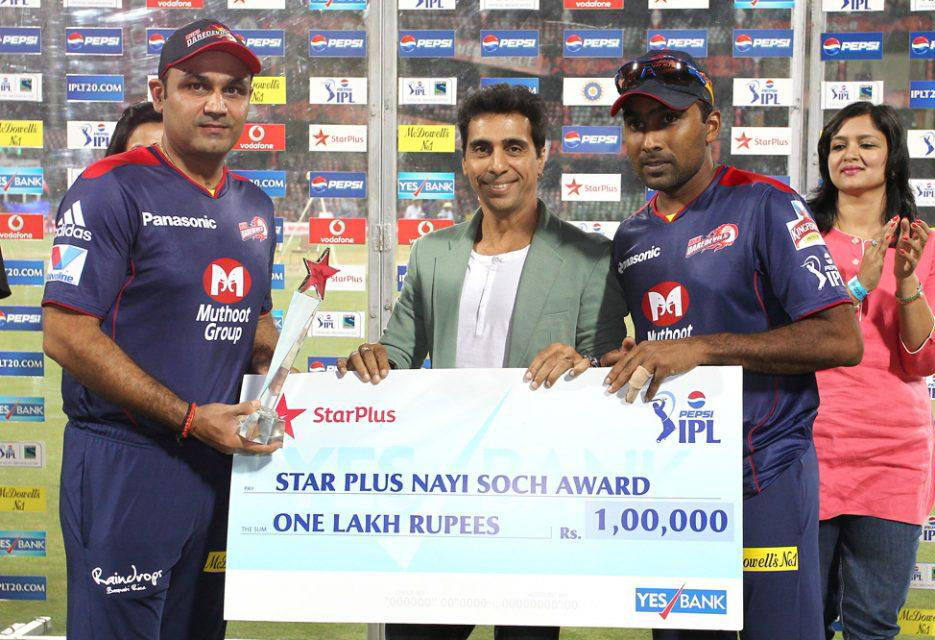 Virender-Sehwag-Mahela-Jayawardene-Nayi-Soch-Award-DD-vs-MI-IPL-2013