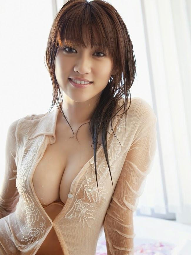 Vòng 1 siêu hấp dẫn của người mẫu nội y Nhật Bản
