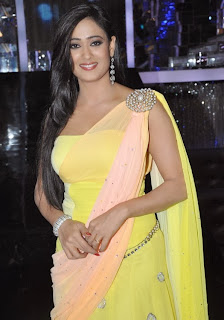 Shweta Tiwari at Jhalak Dikhla Jaa Season 6 Goes on Floors.jpg
