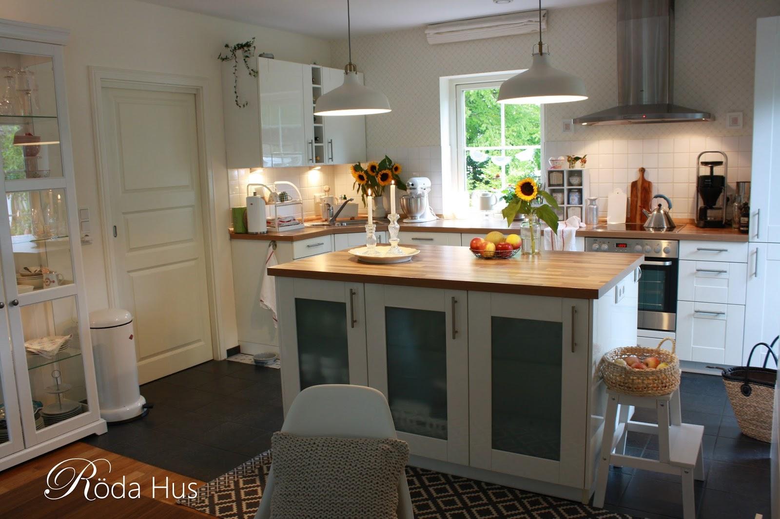 Eine schwedische Tapete für unsere Küche… – Röda Hus
