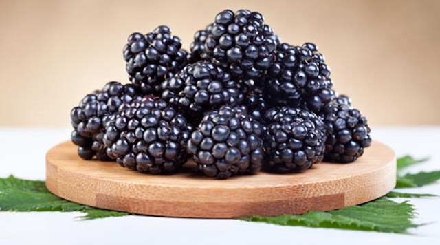 Health-and-Nutrition-Berry fruit is rich in vitamins useful and important for health and skin and body