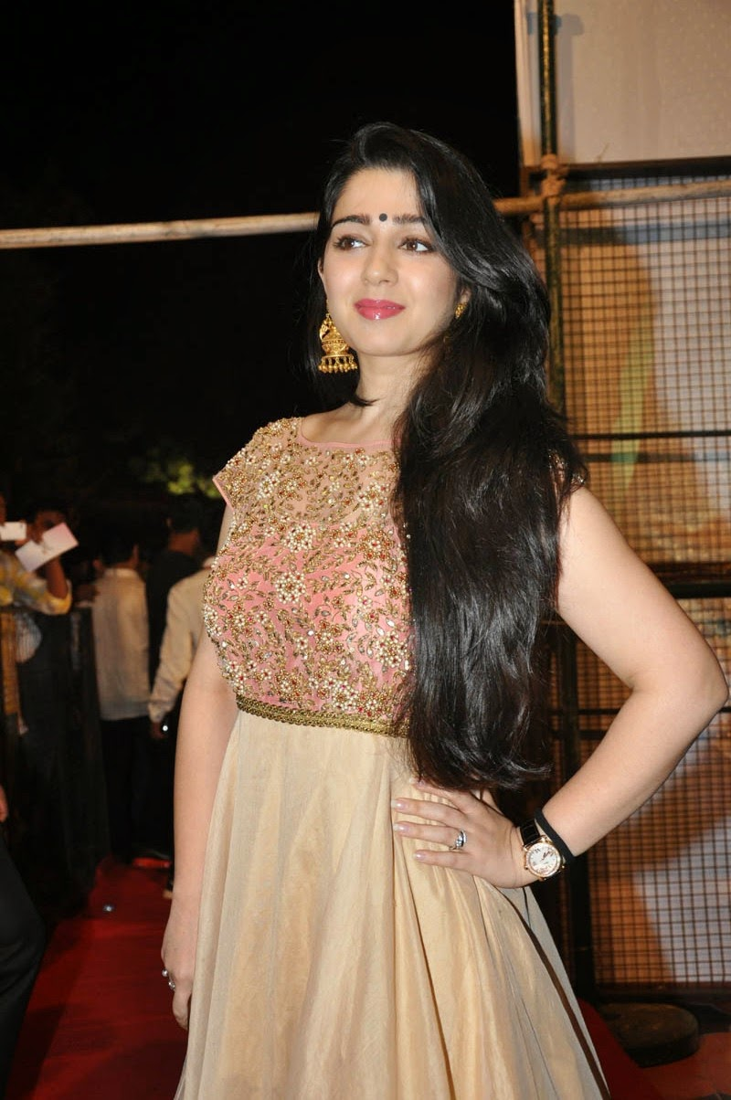 Charmi latest glamorous photos-HQ-Photo-3