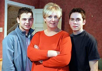 Corrie star Sue Cleaver struck down by mystery bug after ...