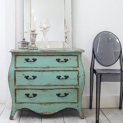Calli's Crossing: Shabby Chic Nightstands