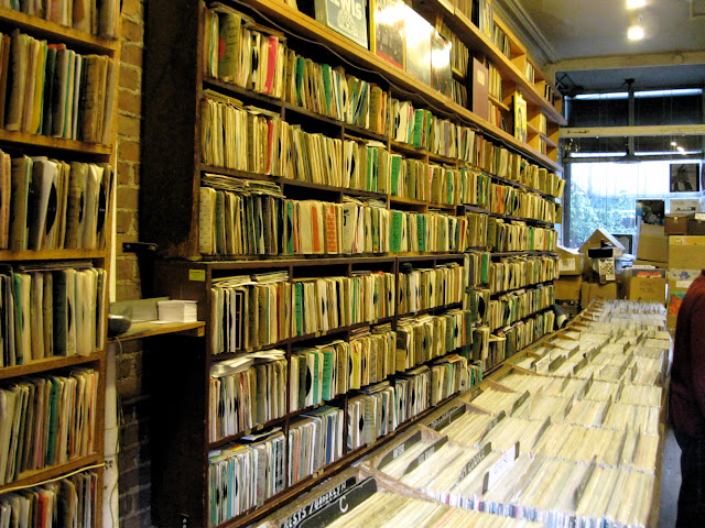 New York music lovers can spend all day thumbing through record stacks at the House of Oldies