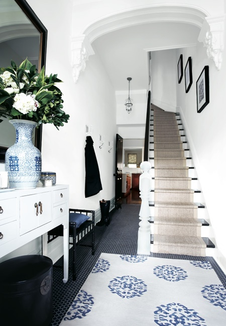 House Without Foyer : Dwellers without decorators foyer stairway redo