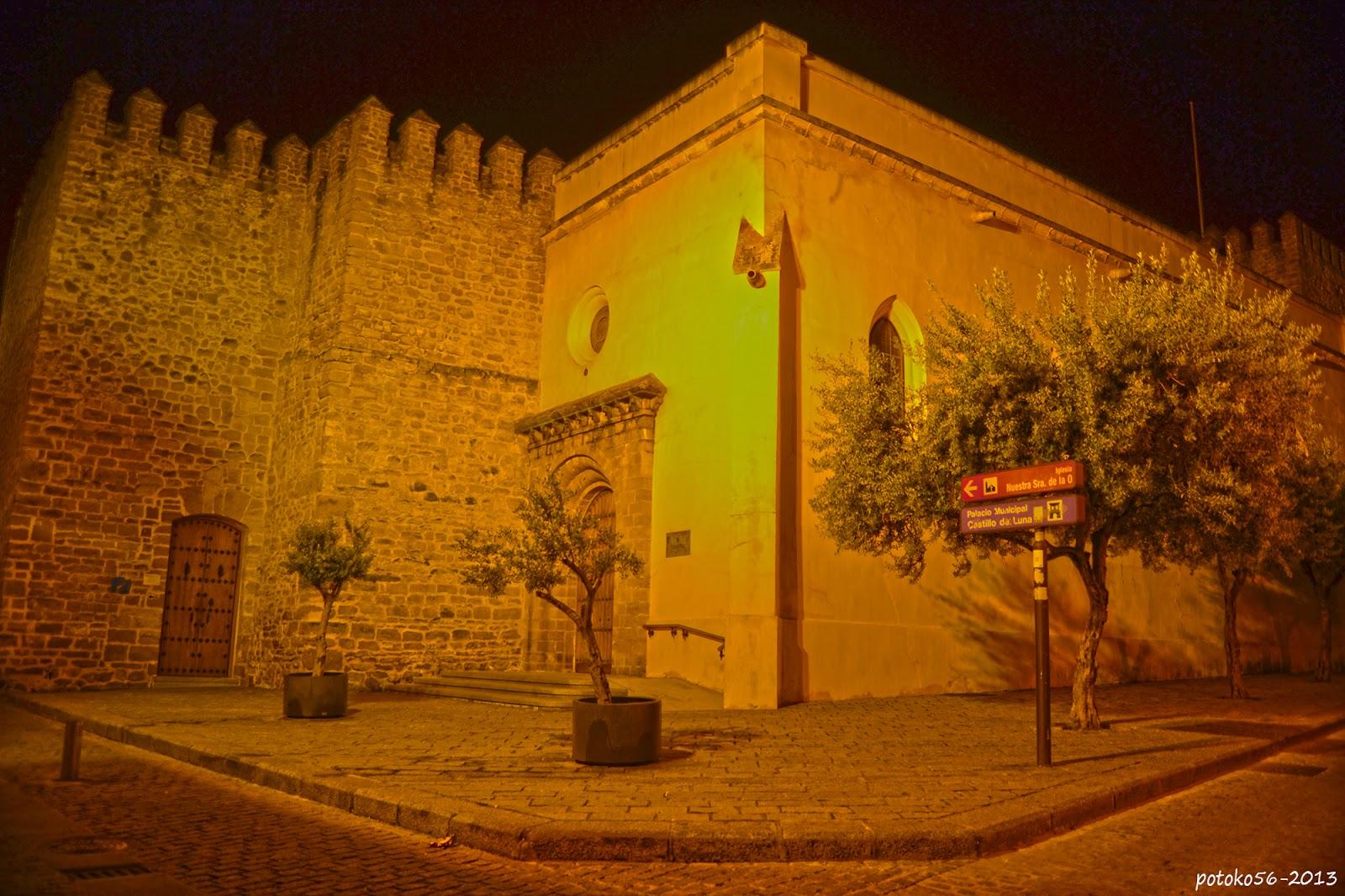 Una entrada al Castillo de Luna Rota