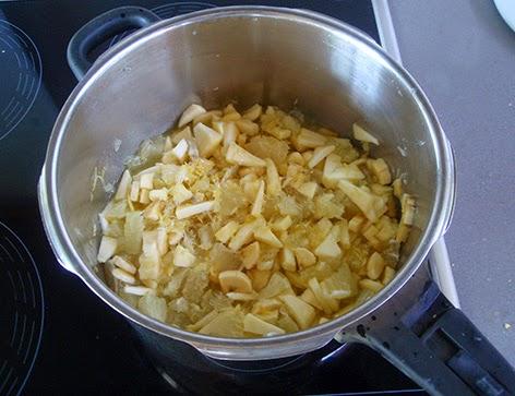 Elaboración de la mermelada de limón: troceamos toda la fruta