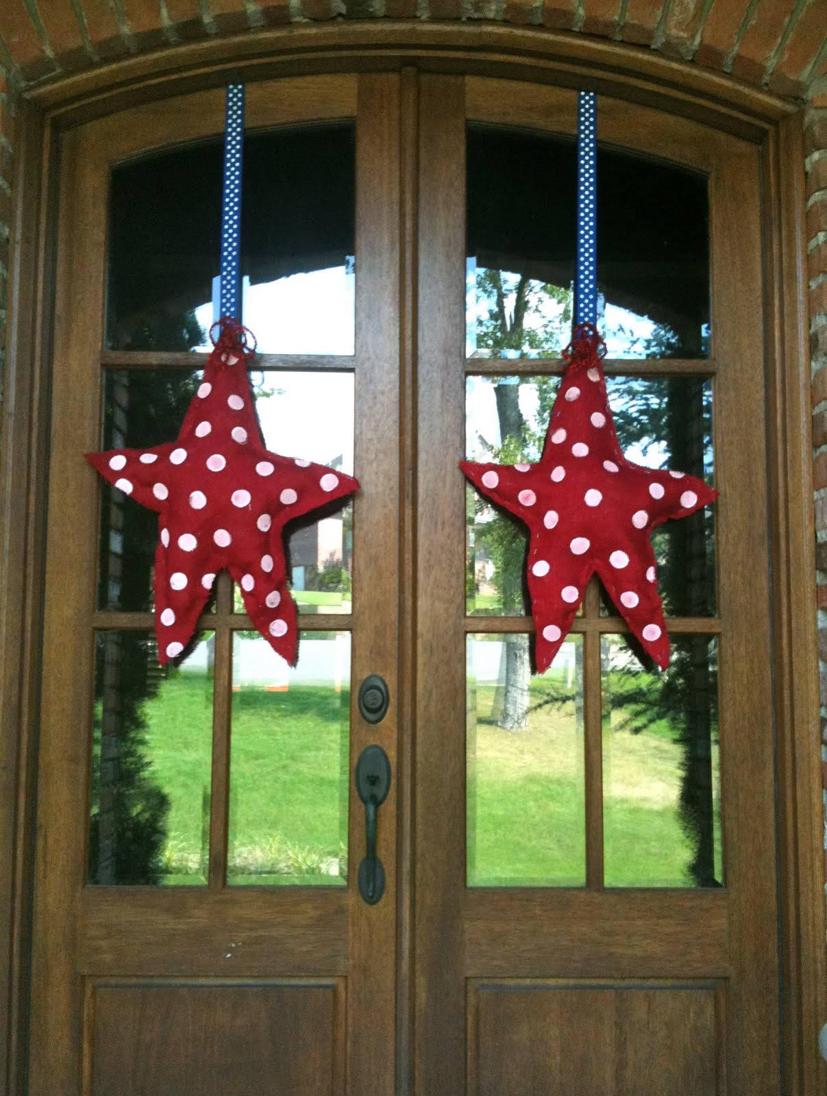 calling all sleepyheads easy burlap patriotic door decor