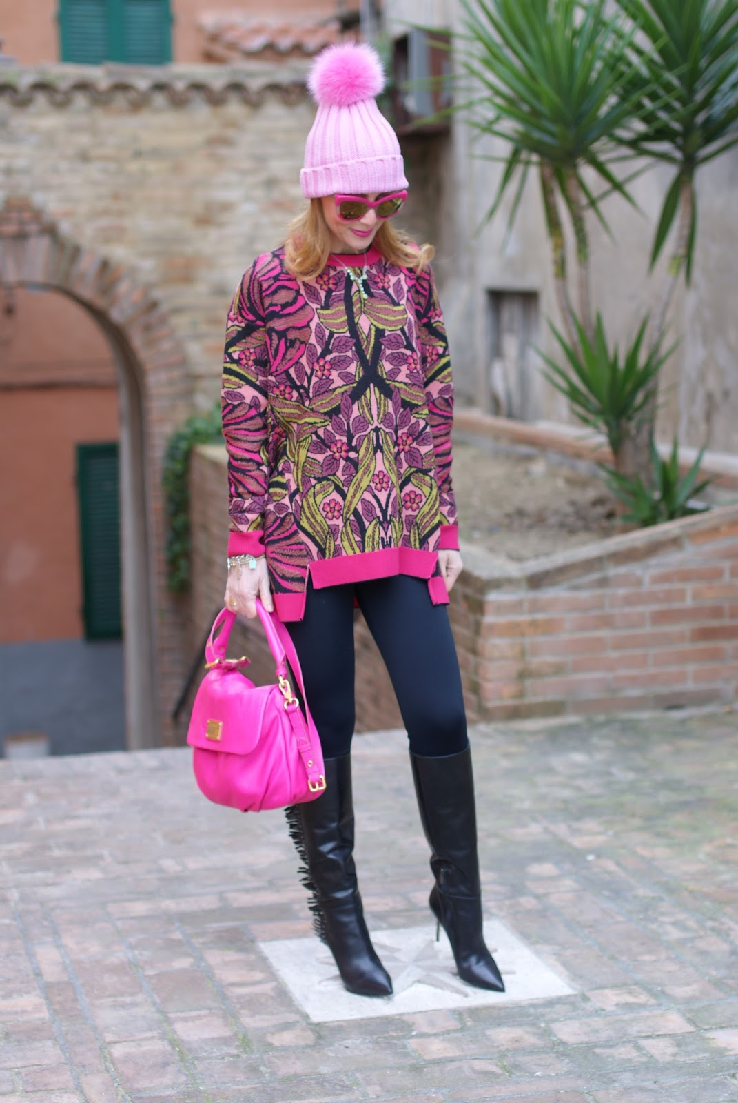 Pink beanie with furry pom-pon and Le Silla fringed boots, Max Mara ascoli sweater on Fashion and Cookies fashion blog, fashion blogger style