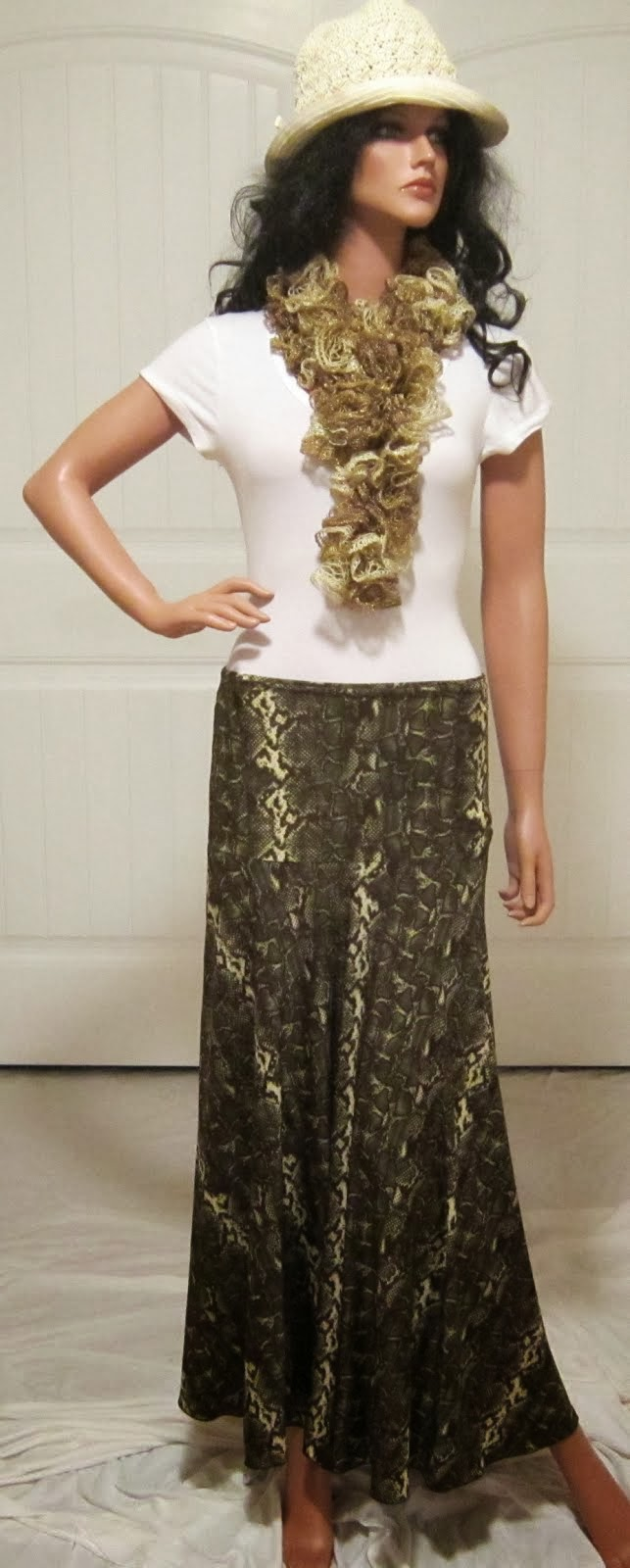 Ladies Stretch Knit Jersey Maxi in Green Snakeskin Print