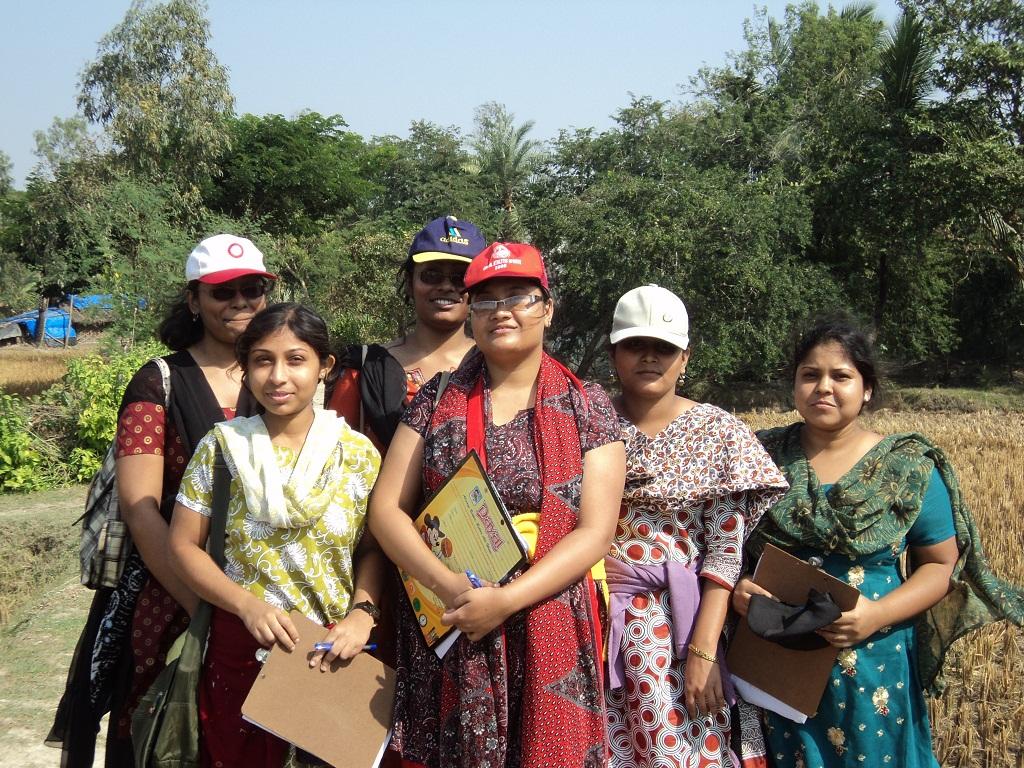 girls in the field work