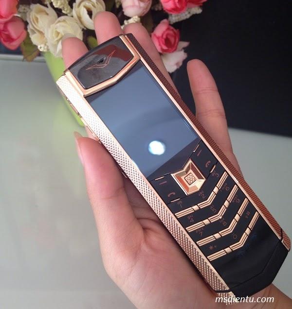 Điện thoại Vertu Signature S vàng - tinh tế, khẳng định đẳng cấp hàng hiệu