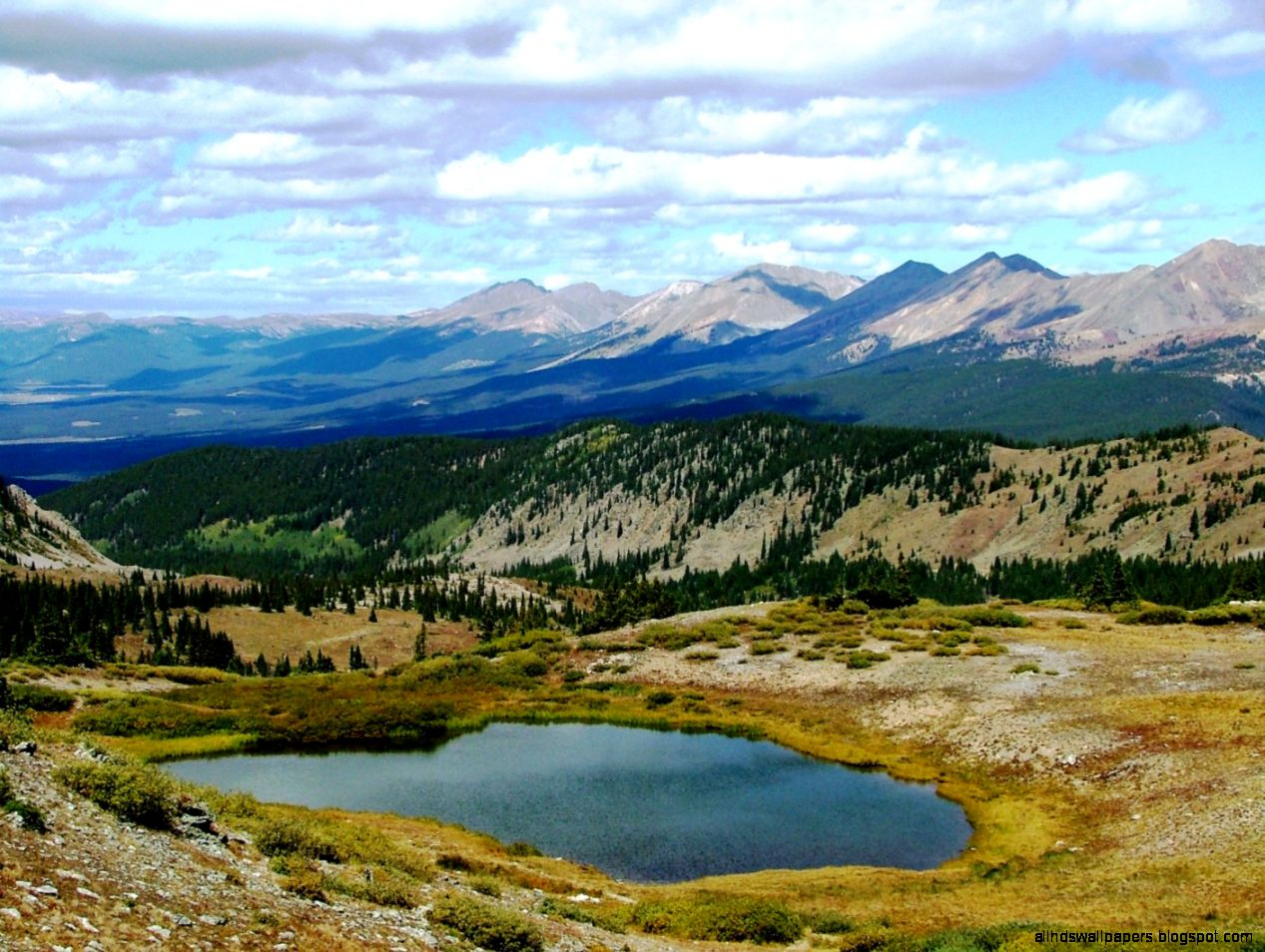 Colorado Scenery Small Lake at Cottonwood Pass tiful