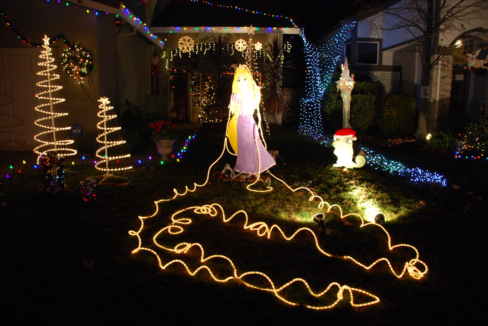 All Things Elise & Alina: Rocklin Christmas Lights at Pebble Creek ...