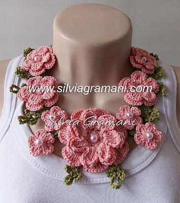 Colares e Cordão de Flores em Crochê