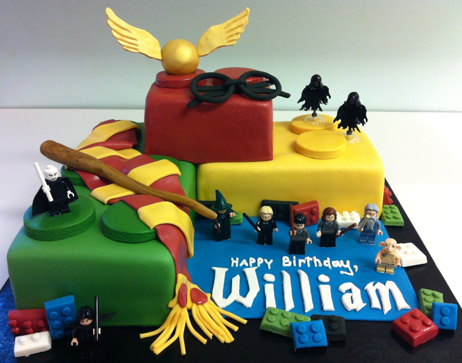 MegMade Cakes William s Lego Harry Potter cake