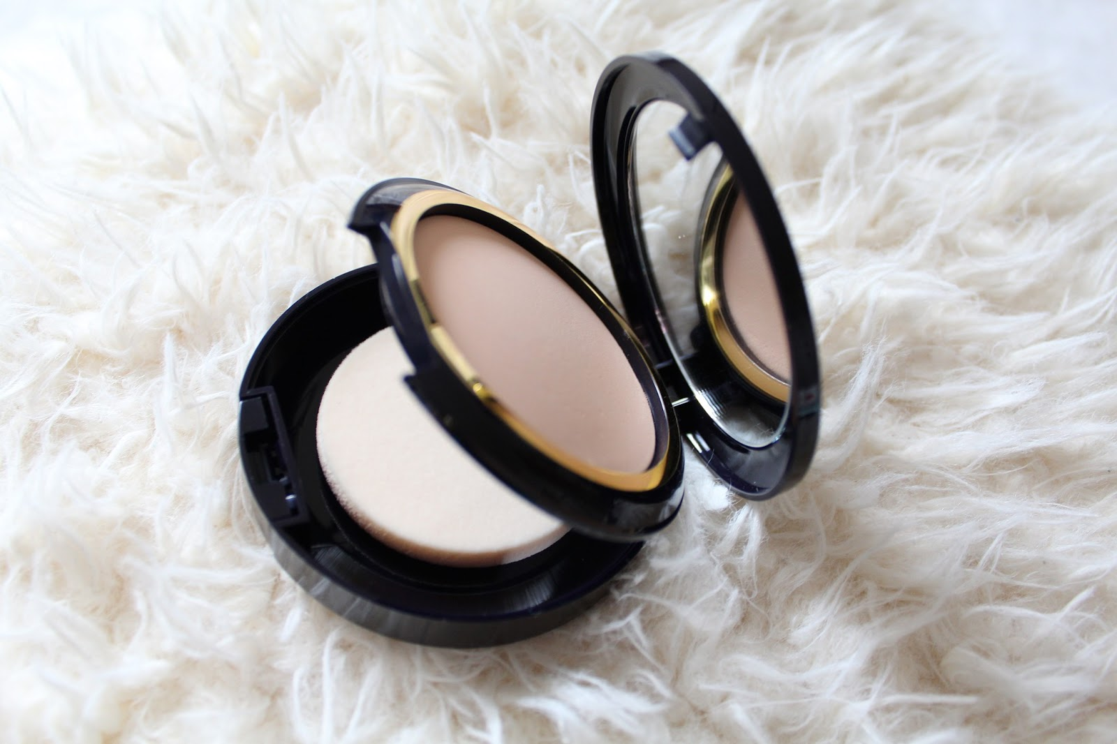 Estee Lauder Invisible Powder
