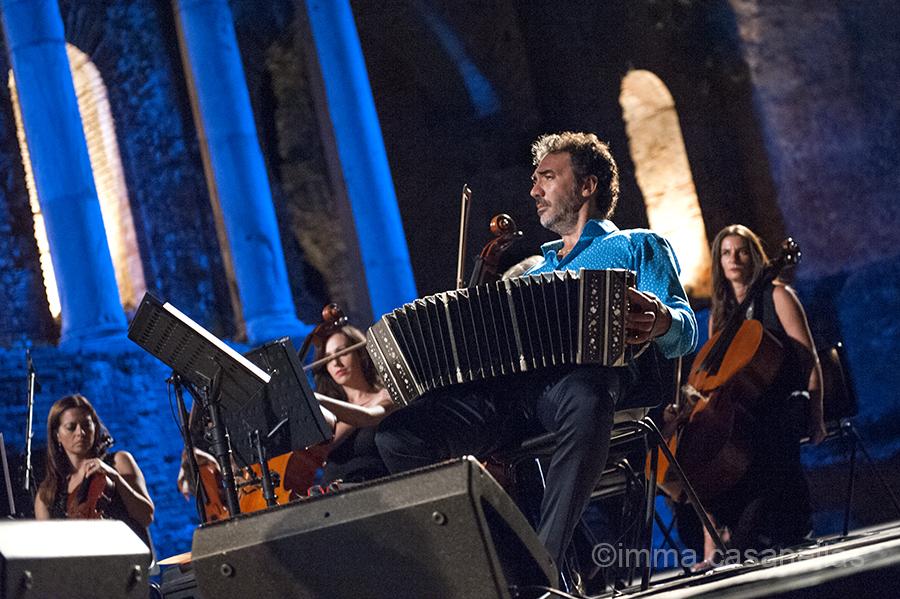 Daniele Di Bonaventura amb l'Orchestra del Teatro Vittorio Emanuele, Taormina, 16-9-2015