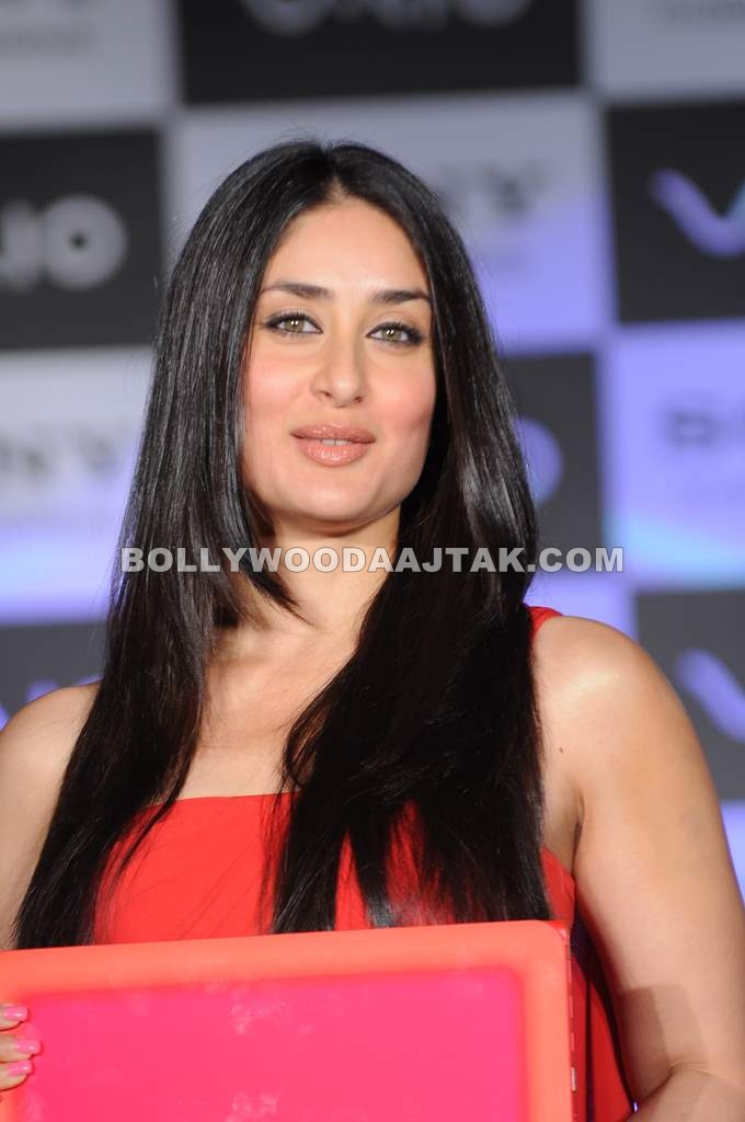 Red Hot Kareena Kapoor Launches Sony VAIO's