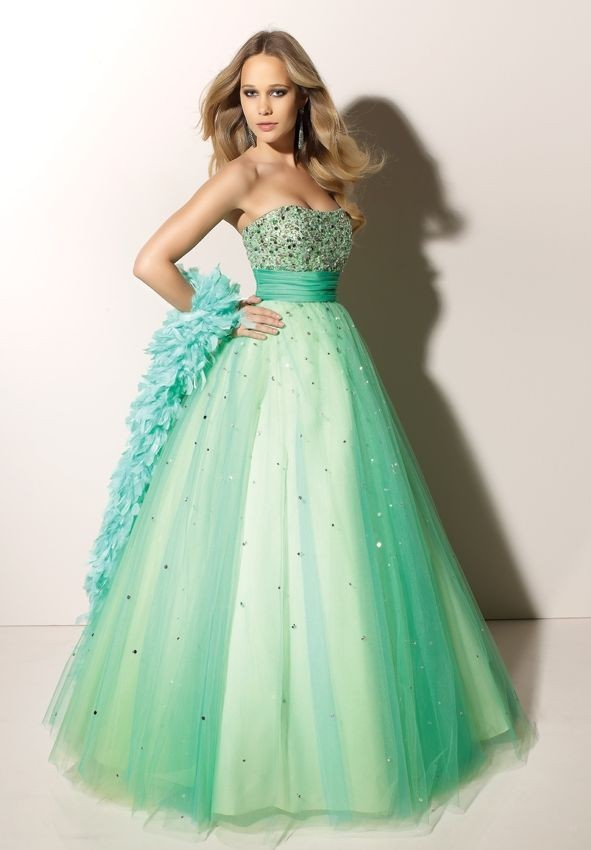 Turmec » hairstyles for strapless prom dresses