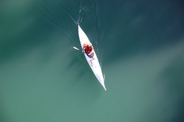 Rafting en aguas bravas adolescentes de Alaska