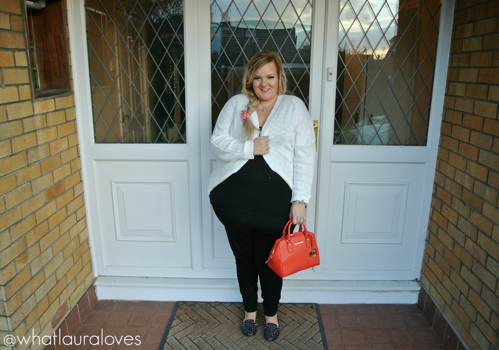 plus size casual outfit michael kors braid blonde steve madden
