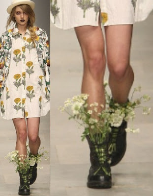 9 Weirdest Clothes at London Fashion Week: Bloomy Shoes