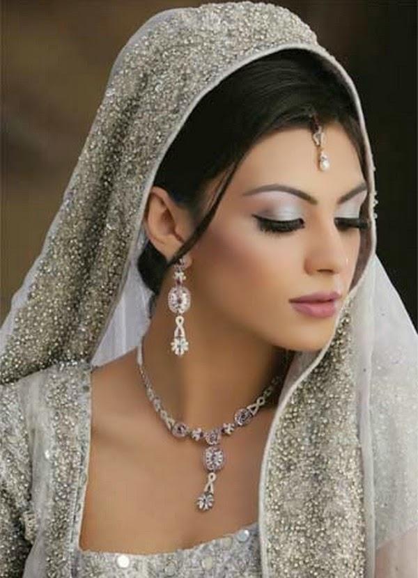 Bridal Makeup Ki Photo : Dulhan Photos Pakistani Dulhan Images Dulha Dulhan ...