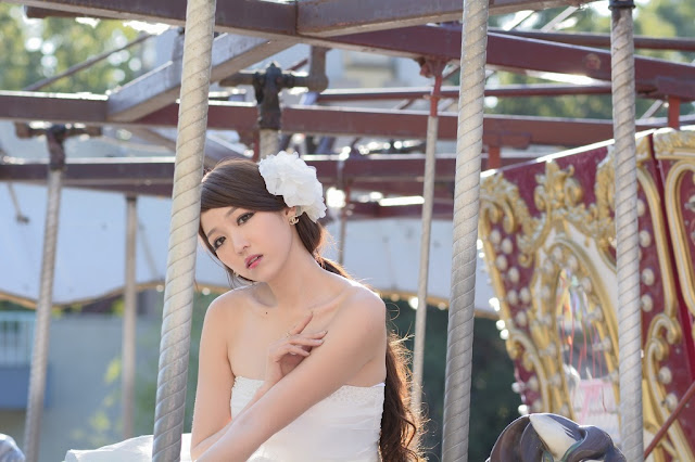 1 Lee Eun Hye in Wedding Dress - very cute asian girl - girlcute4u.blogspot.com