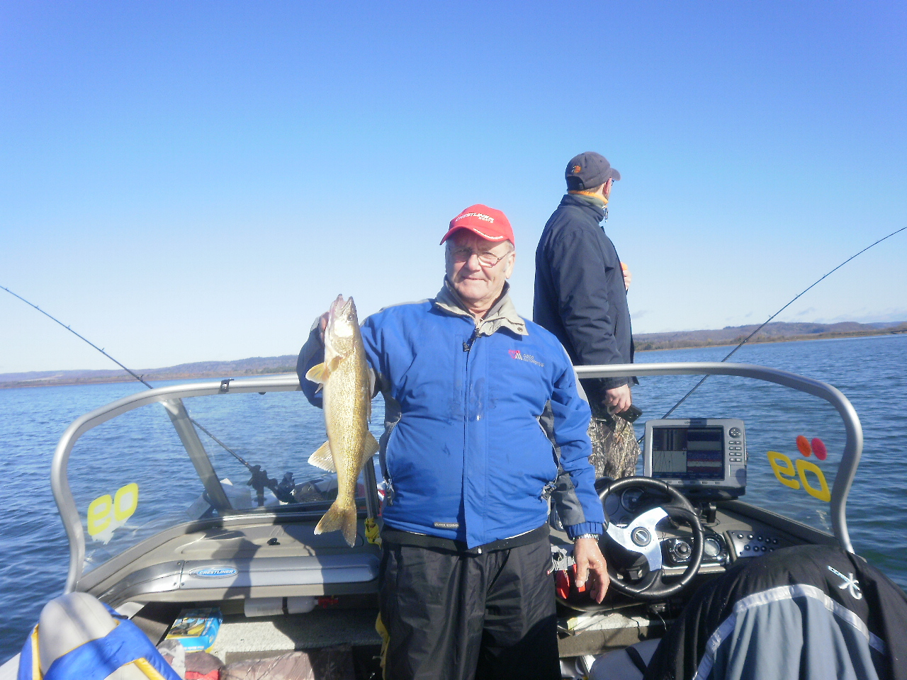 Hooked guide services walleye fishing in november in for Fishing in november