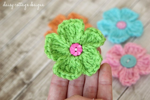 Basic Crochet Flower Patterns Free : Simple Daisy Free Crochet Flower Pattern