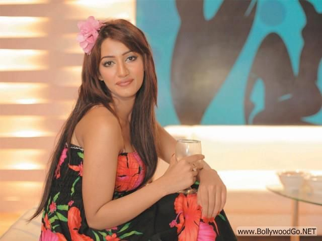 Mathira+hot+(21)
