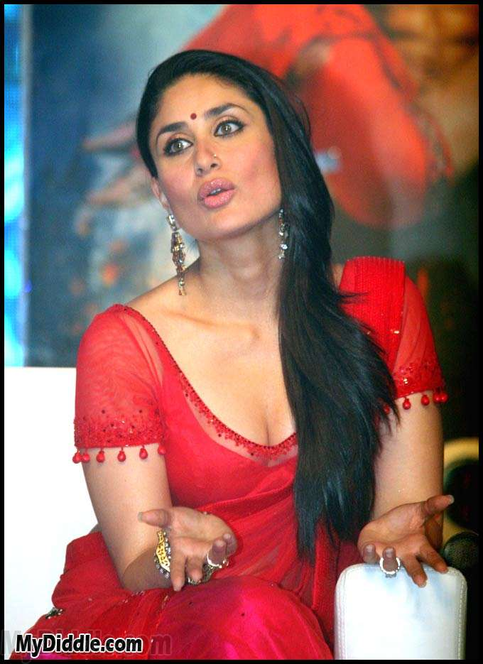 Kareena Kapoor Red HOT Saree Pics RA.One