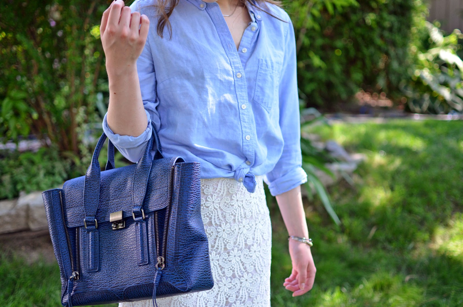 Weekend OOTD ft. a lace Zara skirt, a chambray blouse from The Gap, and my Phillip Lim Pashli bag